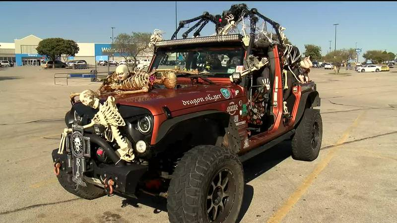 Wichita Falls resident driving Halloween themed jeep
