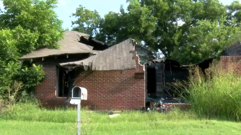 Residents concerned about burnt-out, hazardous houses