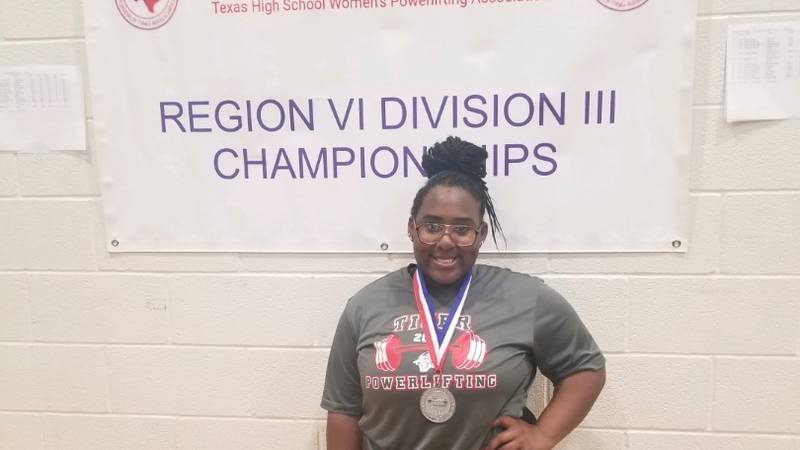 Electra's Darnisha Williams qualified for the state powerlifting meet before it was canceled.