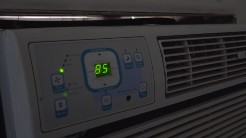One Fargo resident's apartment reached 86 degrees during triple digit weather