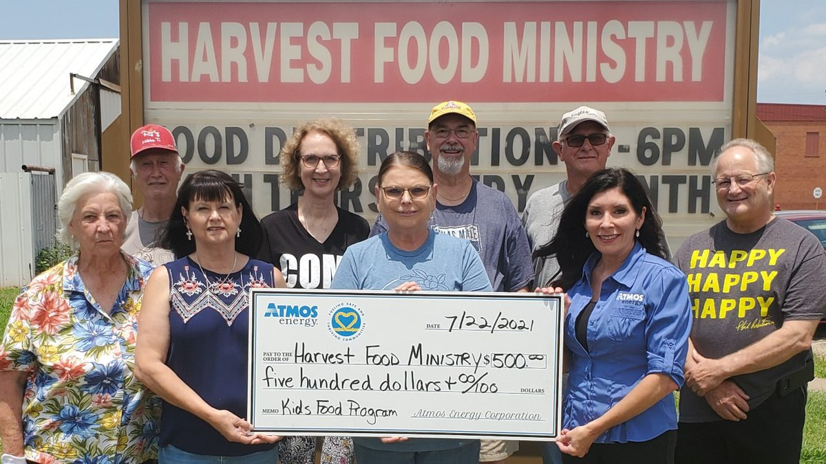 Atmos Energy makes donation to Harvest Food Ministries