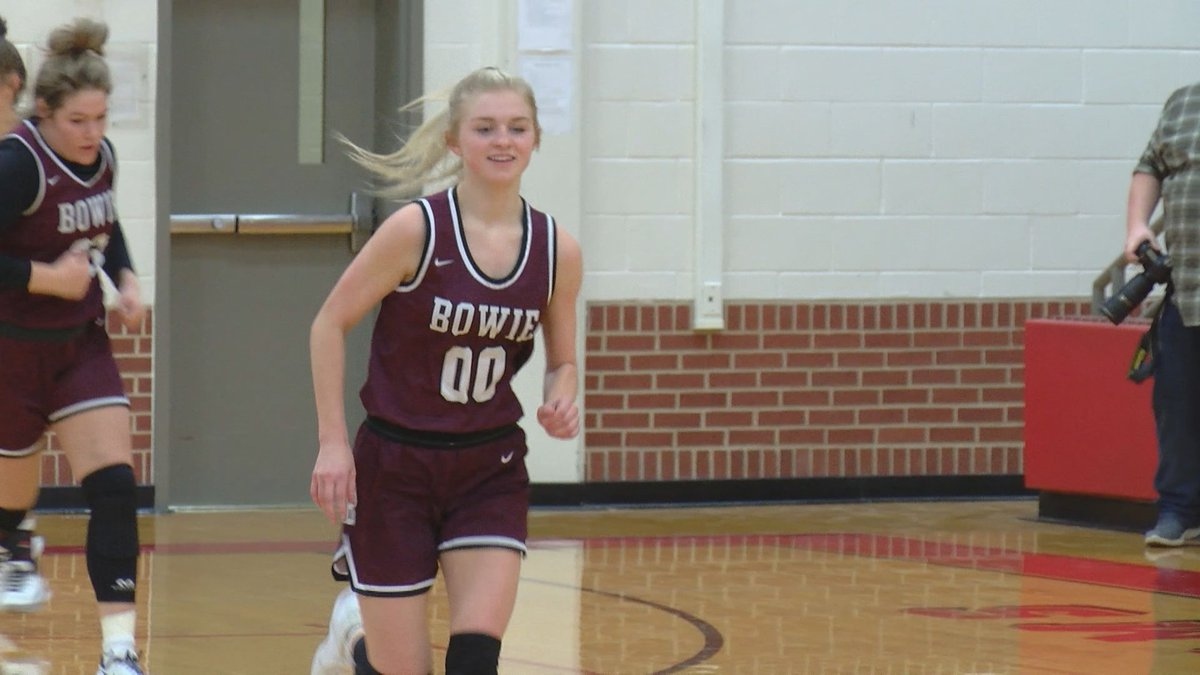 Bowie's Jayci Logan and the Lady Rabbits defeated Cisco Friday night to advance to the regional...